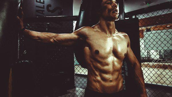【男がモテるには?】筋肉をつけた男は遺伝子レベルでかっこいい